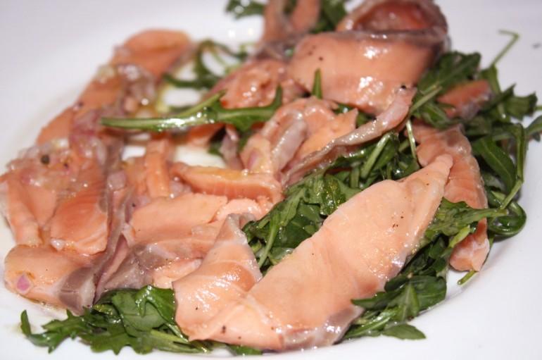 Carpaccio de Saumon et sa petite salade