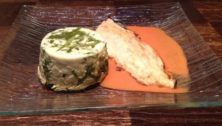 Filet de Truite sauce au Poivron et vin blanc / Flan aux fanes de Radis