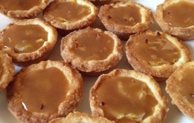 Mini-tartelettes aux pommes et caramel au beurre salé