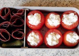 Recette de Bento mini tomates farcies et viande séchée des Grisons