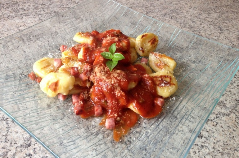 Gnocchis au Parmesan + sauce tomate basilic