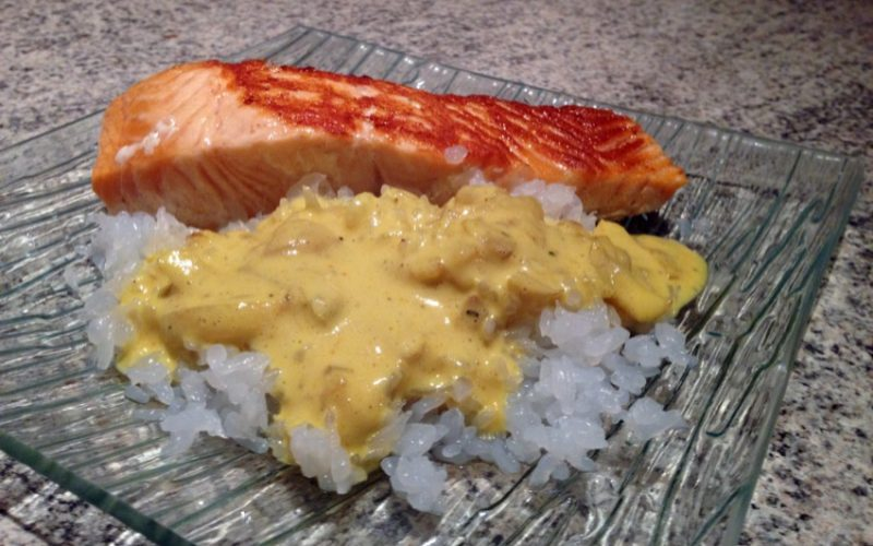 Pavés de saumon aux épices et gohan de konjac
