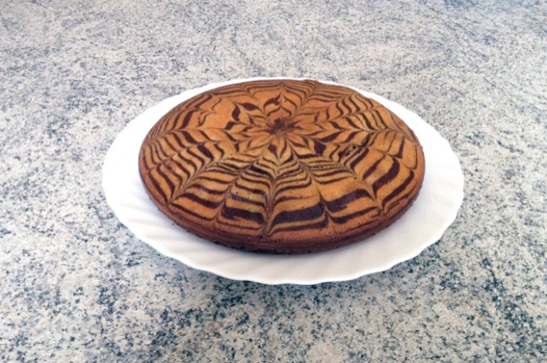 Zebra cake vanille-chocolat (Gâteau zébré / tigré)