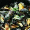 moules 105x105 - Salade de pommes de terre, oignons et cornichons