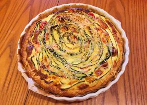 quiche aux legumes 1 300x215 - Quiche aux lardons et légumes