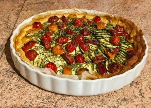 tarte chevre courgettes tomates lardons 1 300x215 - Tarte aux courgettes, tomates, lardons et mousse de chèvre