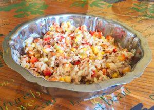 salade riz thon mais poivron 2 300x215 - Salade de riz au thon, maïs et poivron