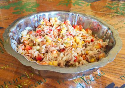 salade riz thon mais poivron 2 400x280 - Salade de riz au thon, maïs et poivron