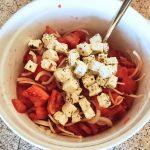 salade tomates oignons feta prepa 2 150x150 - Salade tomates, oignon, feta