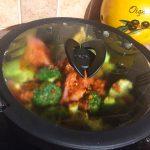 IMG 1301 150x150 - Poêlée de brocolis, poulet, tomates, oignon rouge