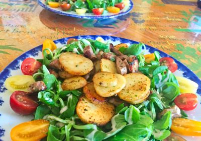 salade aiguillettes canard 1 400x280 - Salade Sarladaise
