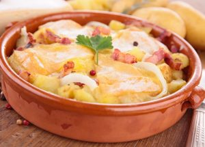 fotolia 60240140 subscription xxl 300x215 - Tartiflette