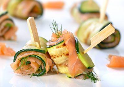 roules courgette saumon 2 400x280 - Roulés apéritifs courgettes, fromage frais, saumon fumé