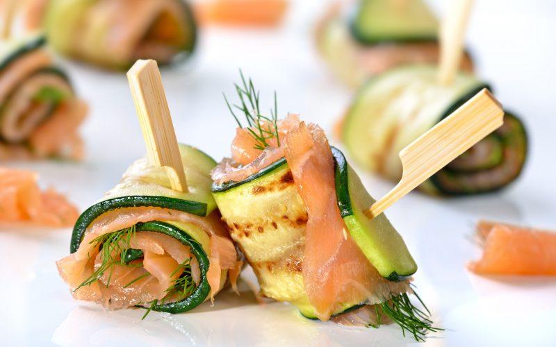 Roulés apéritifs courgettes, fromage frais, saumon fumé