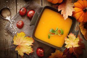 CuJ ROwUIAADlT5 300x200 - Soupe de potiron, marrons, oignons (Recette Companion)