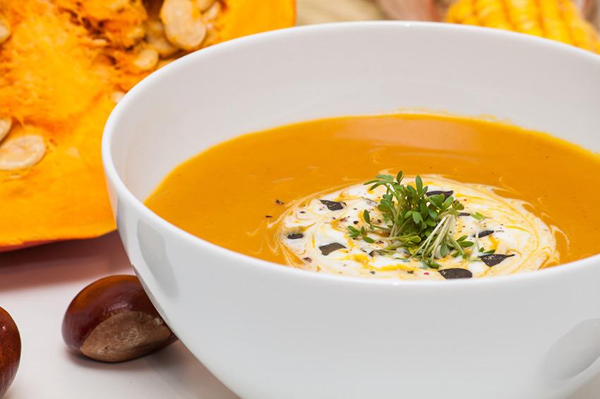Fotolia 45220011 M - Soupe de potiron, marrons, oignons (Recette Companion)