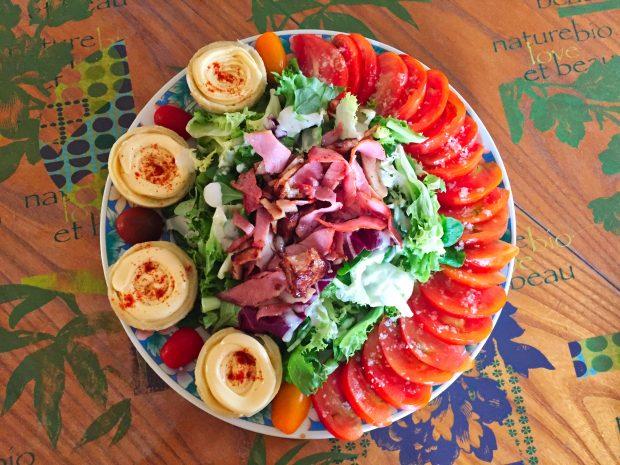 IMG 4096 620x465 - Salade poulet, bacon, tomate et artichaut