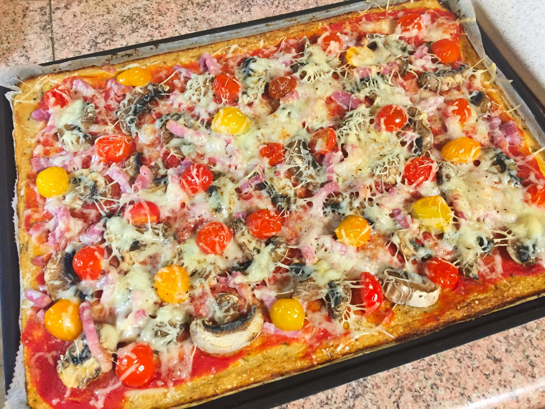 IMG 3571 - Pizza et sa pâte au chou-fleur (sans farine)