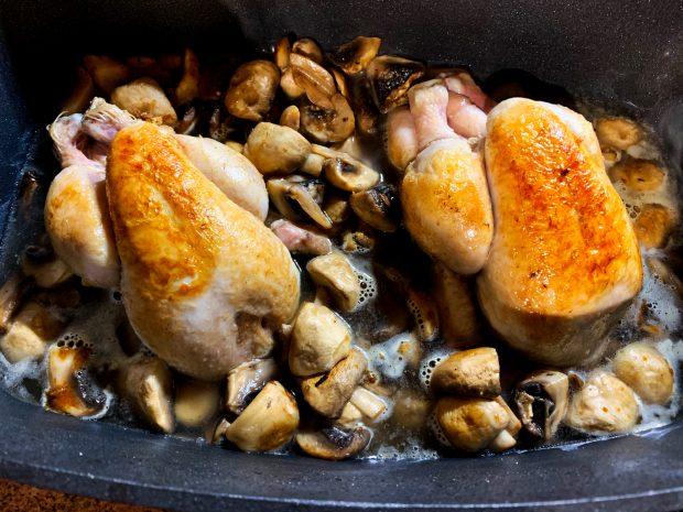 IMG 5931 620x465 - Coquelets aux champignons de Paris
