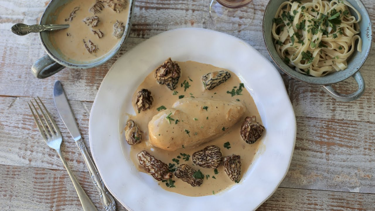 creamy chicken with morel mushroom sauce classic french recipes cuisine - Pintade aux morilles