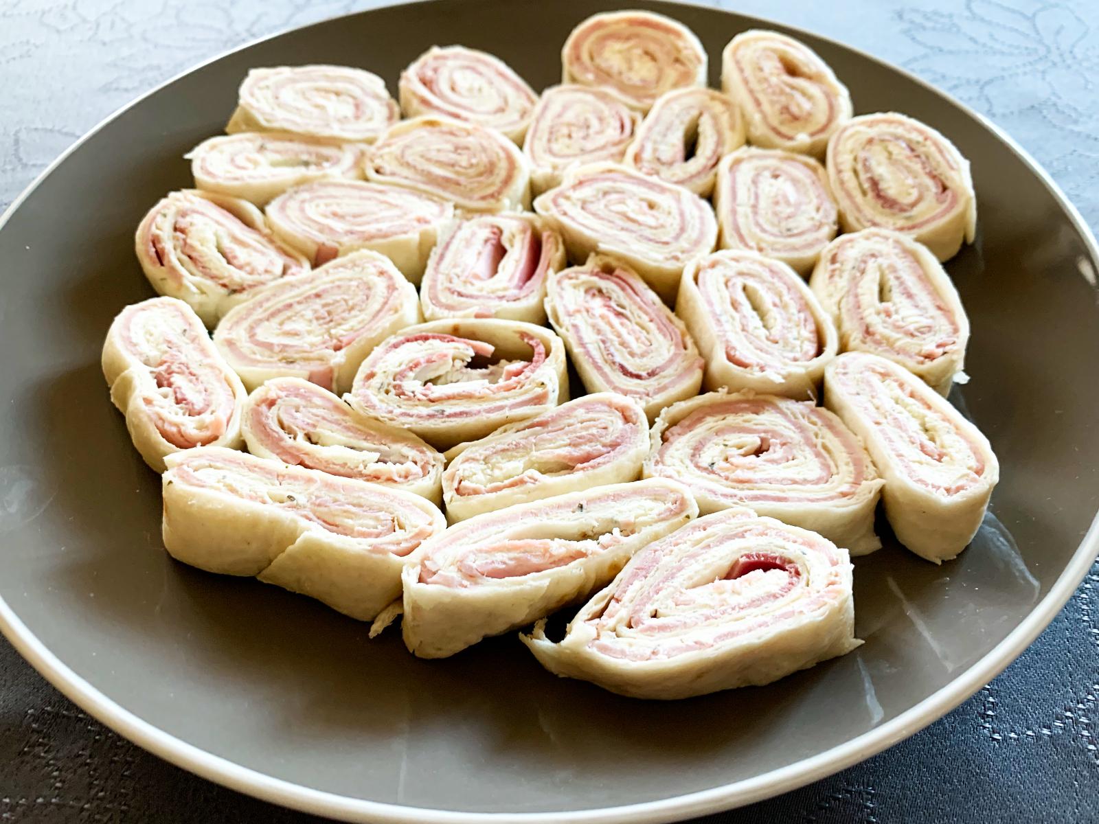 IMG 6614 - Roulés apéritifs (jambon, fromage, saumon... au choix !)