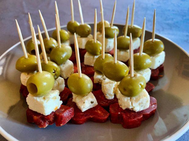 IMG 6618 620x465 - Brochettes chorizo, feta, olives