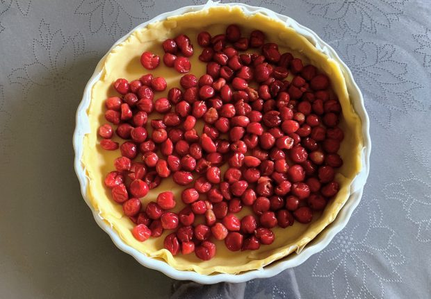IMG 7467 620x431 - Tarte amandes - griottes (ou autres fruits juteux ou congelés)