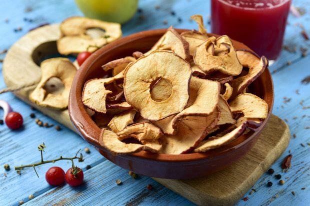 pommes seches 620x413 - Pommes séchées au déshydrateur